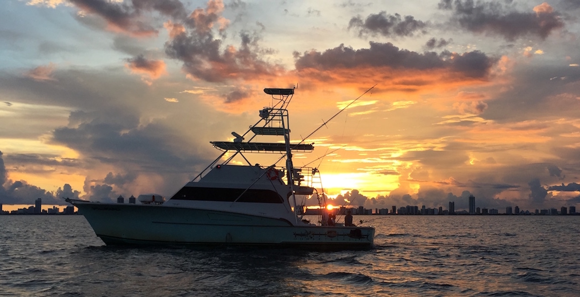 How to chose the rght miami fishing charters for your group for Miami fishing charters